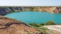 Карабутакский отработанный золотоносный карьер с озером. Май 2021 года